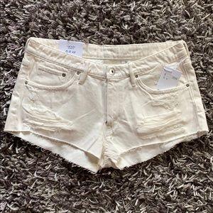 NWT H&M Raw Hem Denim Shorts